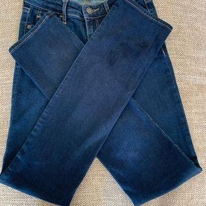 EUC  Hollister Jeans - size - 23